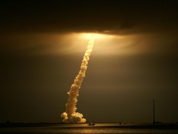 cape-canaveral-shuttle-launch_23920_600x450