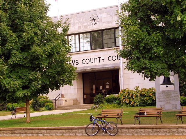 Humphreys County Courthouse B - Waverly, TN