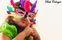 Ei, psiu! beijo me liga ! (BiahCalcagno) Tags: brasil julia fantasia carnaval mascara festa menina bico calcagno beicinho biah biahcalcagno
