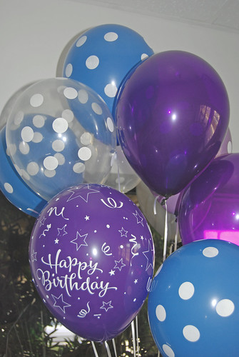 purple and blue birthday balloons