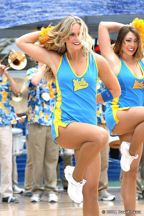 UCLA Dance Team 045