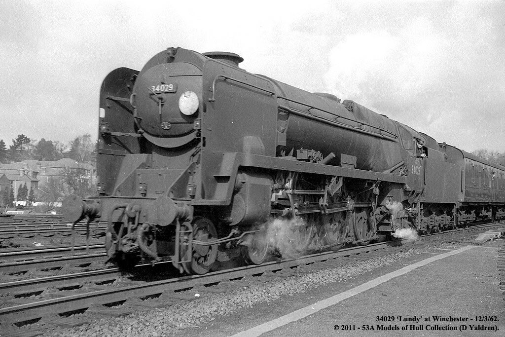 12/03/1962 - Winchester. (53A Models) Tags: train railway