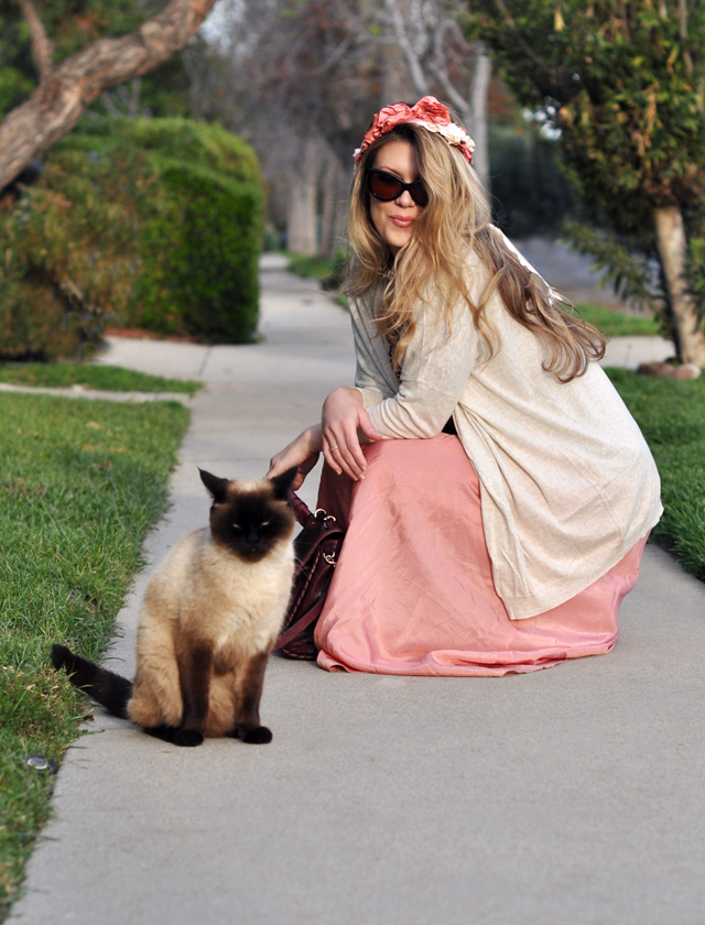 outfit shot with a cat, long pink maxi skirt, loepard print top, oversized cardigan, cat eye sunglasses, flowers in my hair, LA street style, DSC_0072