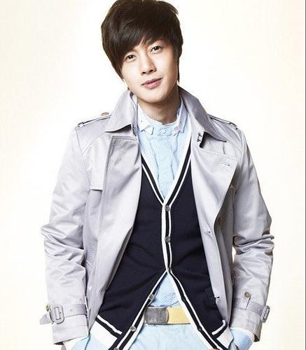 South Korean actor Kim Hyun Joong casual apparel photo _1_