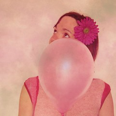 The pink balloon and she#2 (manioue) Tags: pink rose self divers autoportrait couleurs ballon balloon identit the 2011 she2
