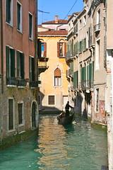 # (Marie Piccoli-W) Tags: lagune amour venise italie gondolier calme amoureux gondole