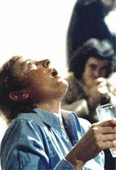 """Autoportrait(s), tape 3 """"rejet"""" (Gina Pane) Tags: action gina bouche lait pane flou verre chemise ouverte spectateur gargariser"""