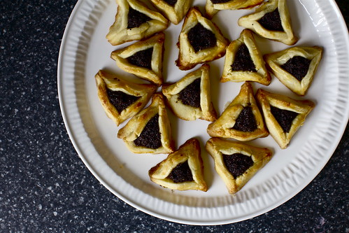 tiny poppy seed hamantaschen