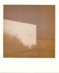 (Giovanna Santinolli) Tags: muro polaroid mare 600 fourlines