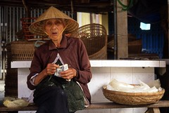 (Pawe Olejnik) Tags: life street old city people money film colors 35mm asia fuji iso400 slide vietnam analogphotography dong provia400