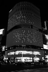 L1010222 (Zengame) Tags: leicat cc creativecommons ginza japan leica summicron summicron235 tokyo   235  t      jp