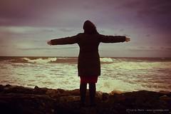 Como el aire - as air (Lui G. Marn - www.luimalaga.com) Tags: woman ana mujer waves wind air oleaje viento aire olas temporal marea