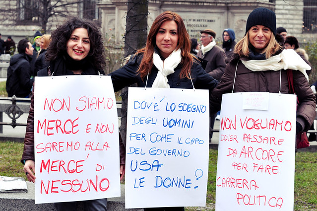 5398512601 249a30fdf2 z Restoring Italys Dignity – Anti Berlusconi protest in Milan