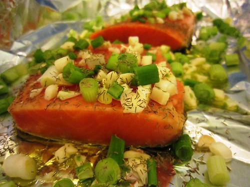 Salmon with garlic and green onion