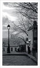 El último recuerdo de París (Imati) Tags: mañana farola invierno parís monmartre turista