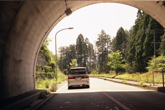 トンネルの出口のフリー写真素材