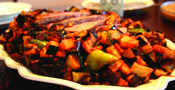 Varm rostbiff med grönsaksfräs