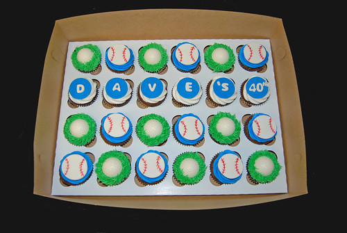 golf and baseball 40th birthday cupcakes