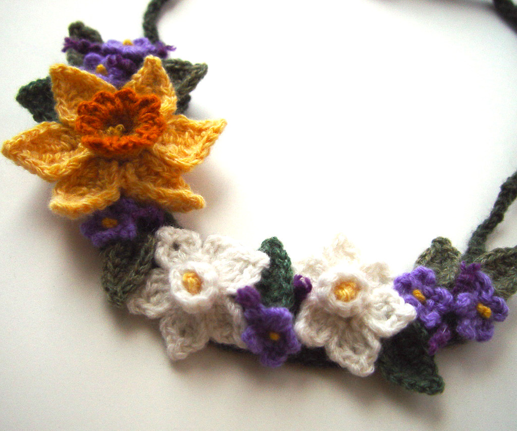 Crochet Spring Flowers Necklace