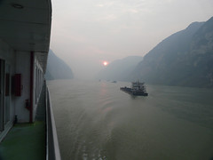 Yantze river - China () (h2ooo2h) Tags: china sunset river hubei  yantze