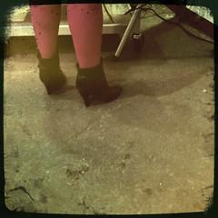 (theres no way home) Tags: chicago black photograph heels pinktights theresnowayhome notox galinashevchenko hipstamatic