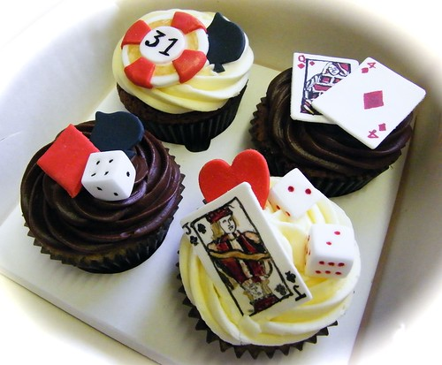 Poker and roulette themed cupcakes