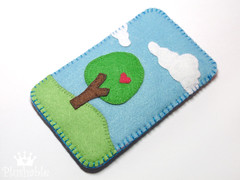 Felt iPhone case Nature in love (Plushable) Tags: tree love nature clouds ipod felt case double card cover pouch accessories applique iphone