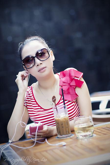 hình chân dung Laura Lai