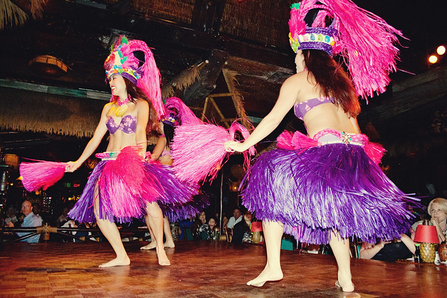 Mai-Kai dancers 1