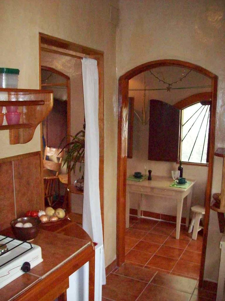 La Casita dining and kitchenette