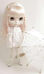 white (JennWrenn) Tags: doll lace parasol blythe whiteonwhite mim stellasavannah