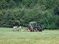 ZKL_071_07082010_14'08 (eduard43) Tags: landwirtschaft felder bauer fields agriculture peasant machineoperator maschinenführer