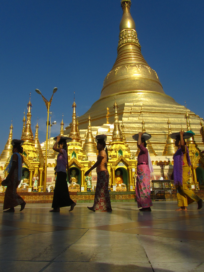 5510674709 e0a94c4725 o Shwedagon Pagoda   Pictures of Burmas Most Sacred Site