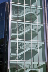 // la cage d'escaliers (Riex) Tags: california building film glass architecture stairs analog 50mm kodak rangefinder moderne staircase parkway f2 analogue agfa stories folder levels sanmateo folding offices xenon batiment verre californie retina escaliers schneiderkreuznach agfavista bureaux bridgepointe iiic silverhalide agfacolor niveaux cagedescaliers agfaphoto etages