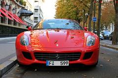 Ferrari 599GTB - Paris (10-2010) (Automartinez) Tags: plaza paris automne canon rouge eos ferrari exotic avenue alban athene feuilles 2010 gtb montaigne v12 599 joachin fiorano 500f supecars automartinez