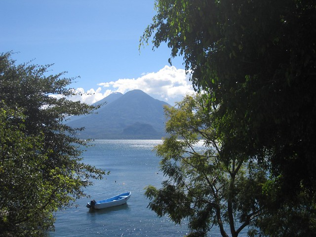 lagos de guatemala