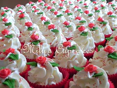 Wedding cupcakes (Mily'sCupcakes) Tags: wedding red love argentina rose cupcakes buenos aires milys