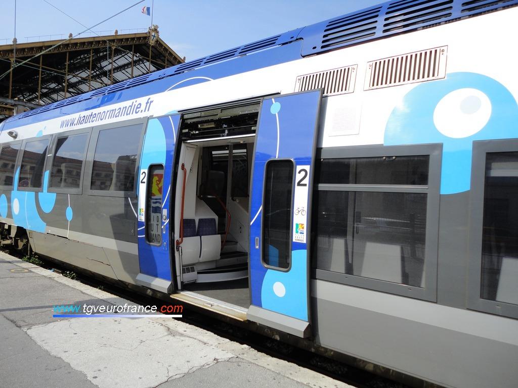 Une rame ZGC Z27500 de la SNCF en gare de Marseille Saint-Charles