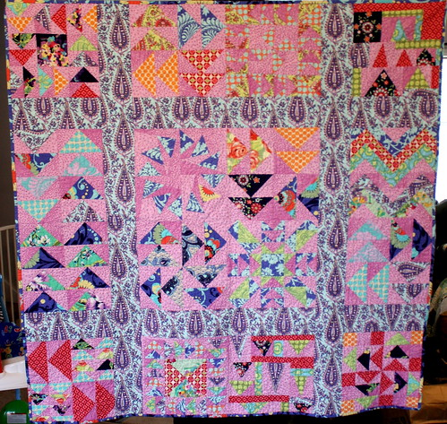 """Sew Bee It"" Bee Quilt"