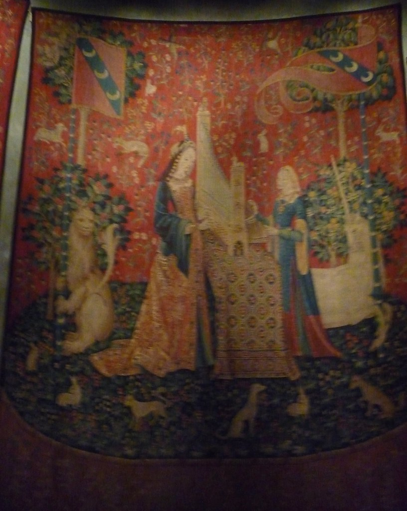 lady and the unicorn tapestry 4
