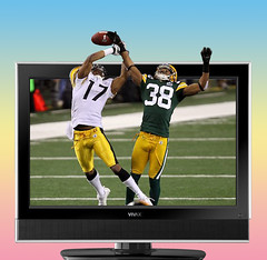 Super Bowl Last Play on our High Def TV (ClaraDon) Tags: football high pittsburgh packers definition greenbay highdefinition hi steelers def hidef bej anawesomeshot superbmasterpiece diamondclassphotographer flickrdiamond lastplay superbowlxlv thesuperbmasterpiece hideftv