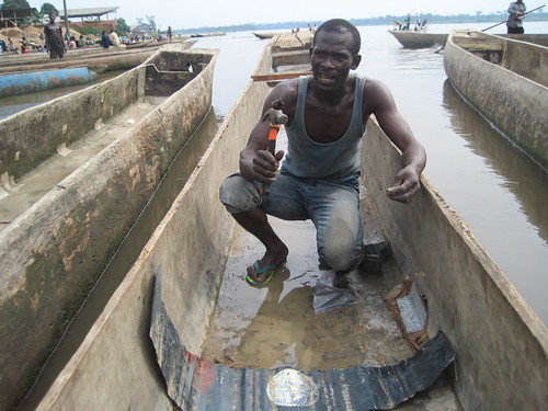 dugout repair-man in Kindu