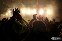LCD Soundsystem.. POA, RS - Brasil (Emmanuel Denaui) Tags: show people music hot concert pessoas emotion live porto fans msica lcdsoundsystem calor vibe povo emoo multido fs canon7d alegrecasadogacho