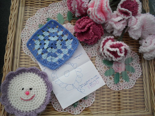 MummyCat (UK) Your Square arrived today! Thank your Daughter for the Flower Drawing please!