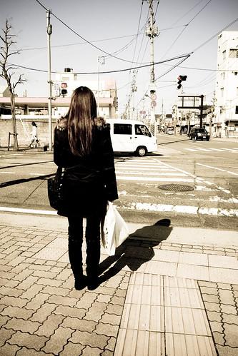 彼女は買い物の帰り道 2