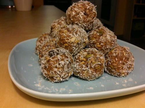 Nutty snack balls