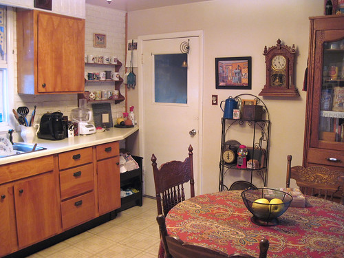 Kitchen Overview 3