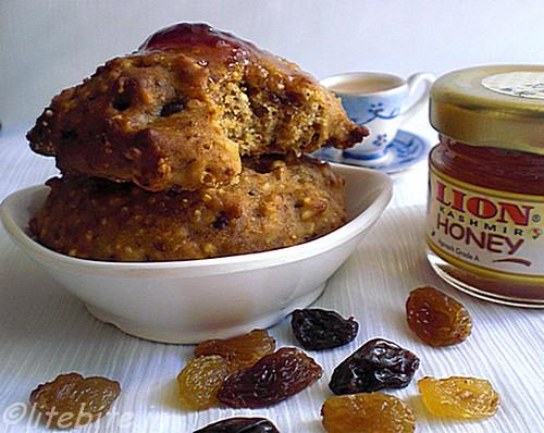 eggless barley honey & raisin scones