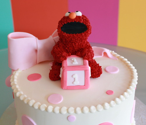 Elmo Dotty Cake