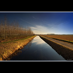 Fields' motorways....... (joe00064) Tags: beautiful interesting most 500 naviglio mostbeautiful bereguardo platinumheartaward joe00064 mygearandme mygearandmepremium mygearandmebronze mygearandmesilver mygearandmegold mygearandmeplatinum dblringexcellence tplringexcellence